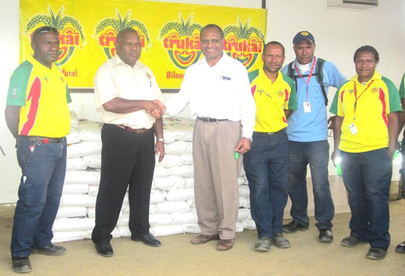 Trukai Industries Ltd donates rice to Mt Hagen Hospital