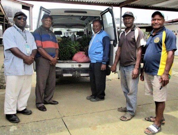 Dei District donates food to Mt Hagen Hospital
